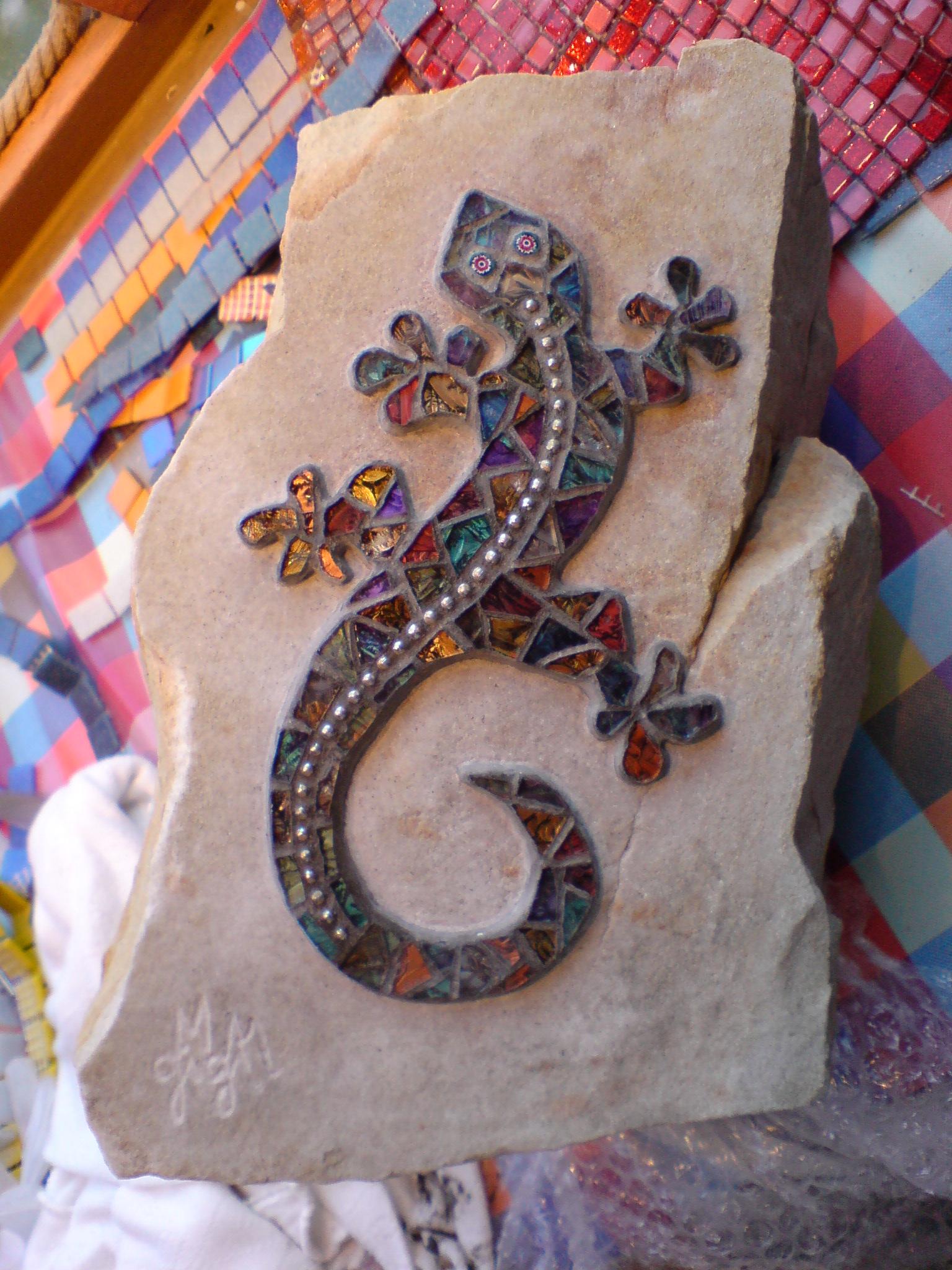 Gecko on stone, Gisela Gibbon Mosaic Artist Scarborough
