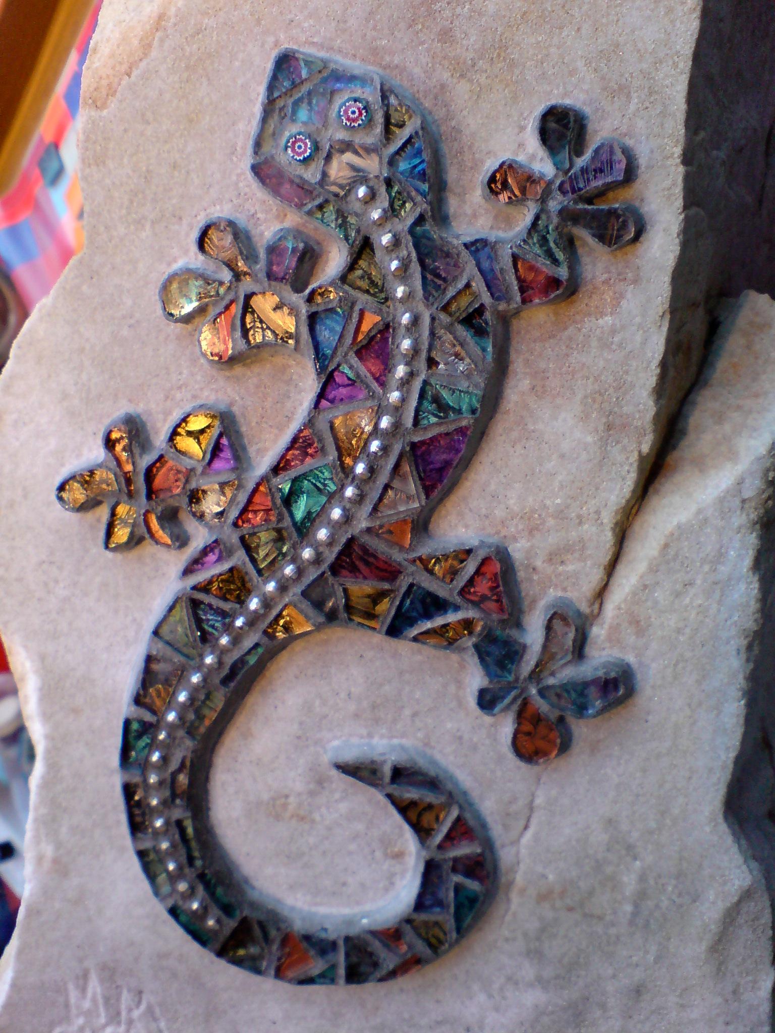 Gecko on the Rock 2, Gisela Gibbon Mosaic Artist Scarborough